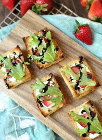 Strawberry Goat Cheese Bruschetta with Balsamic Glaze - the best summer appetizer recipe