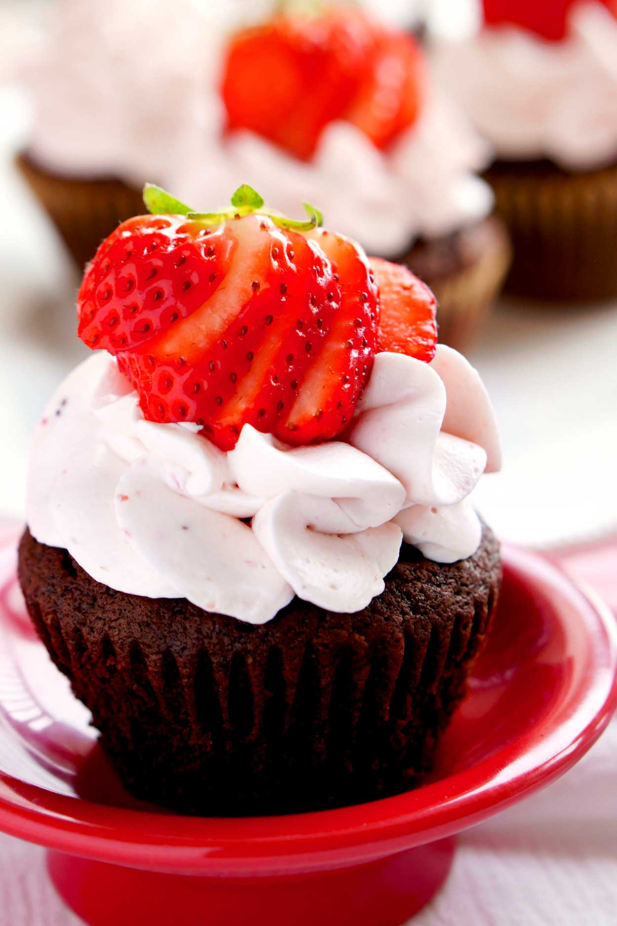 Easy homemade Chocolate Cupcakes.