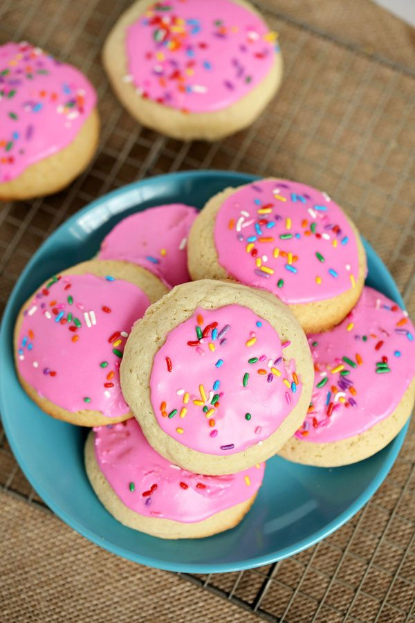 Sugar Cookies with pink icing - Lofthouse copycat recipe