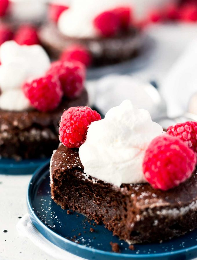 Soft Centered Fudge Cakes – made in just 30 minutes!