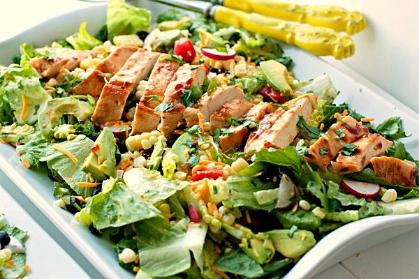Barbeque_Chicken_Entree_Salad_Budget_Friendly_Meals