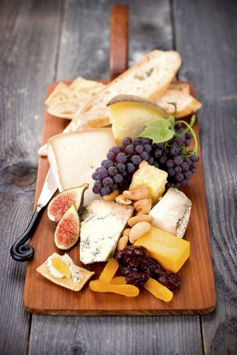 Cheeseboard & Cheese Platter Basics: Tips for the Perfect Spread