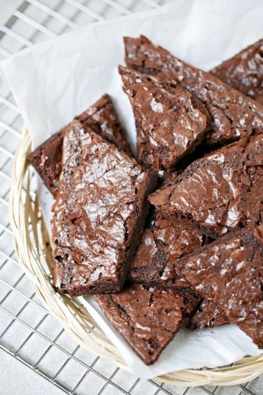 Copycat Brownie Brittle recipe