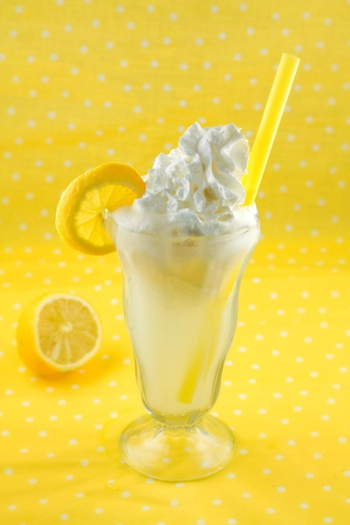 Lemon Cream Pie Float