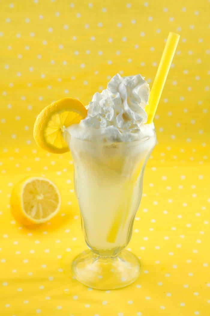 Lemon Cream Pie Float