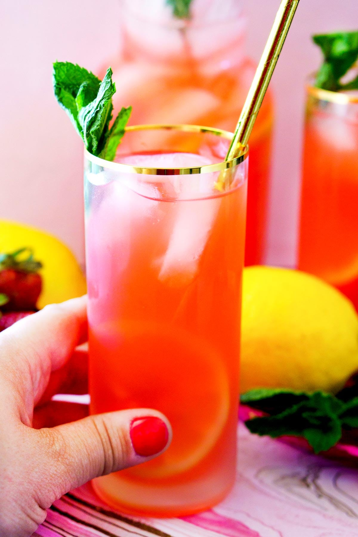 Super Easy Strawberry Lemonade