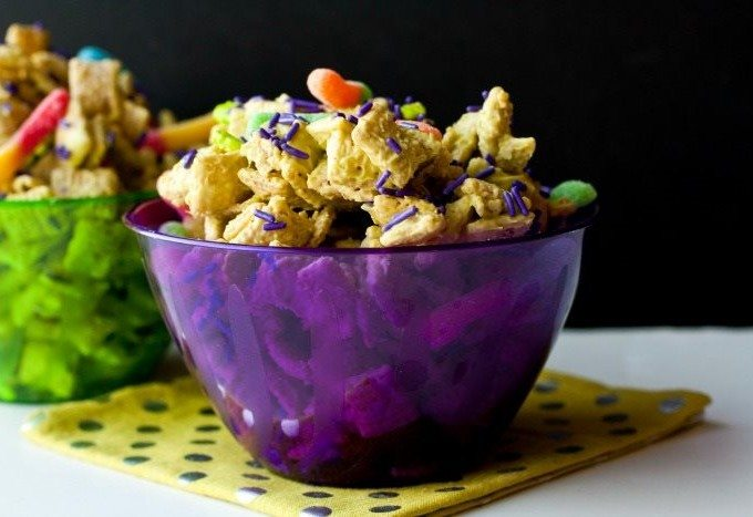 Zombie Bait Chex Mix – a Halloween Treat!