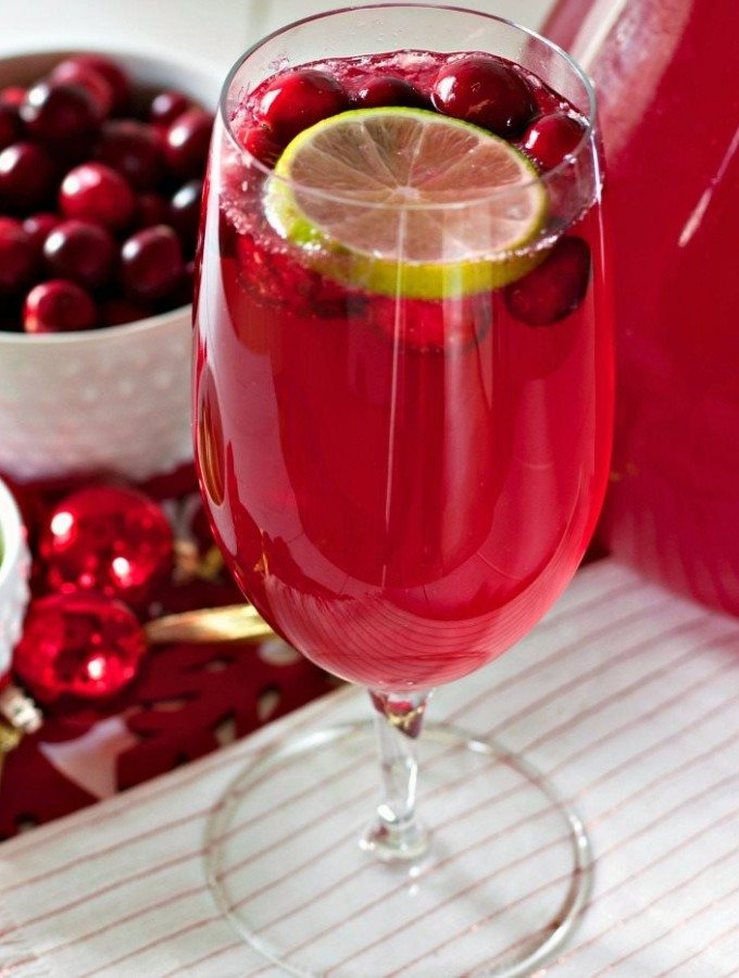 Cranberry Limeade Sparkling Mocktail Recipe