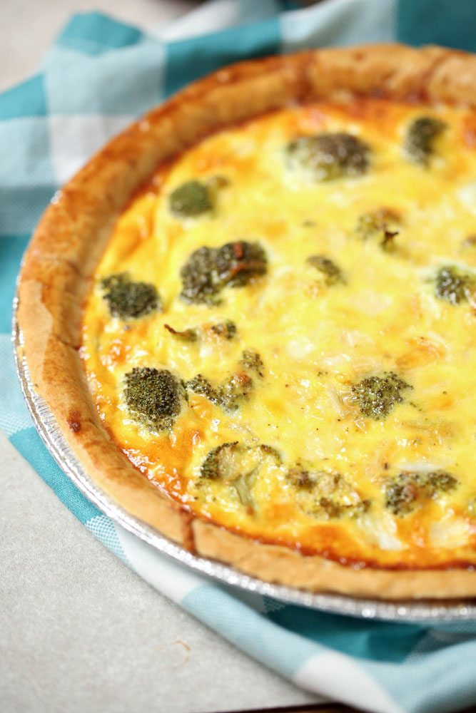 Broccoli Quiche for a quick and easy dinner or brunch!