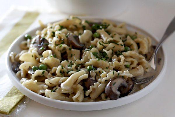 Pasta with Mushrooms, Peas, and Creamy Camembert Sauce • Food, Folks ...