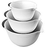 3 mixing bowls