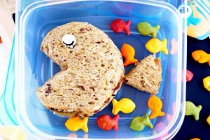 Simple Fish Cut out PB&J - Step 5