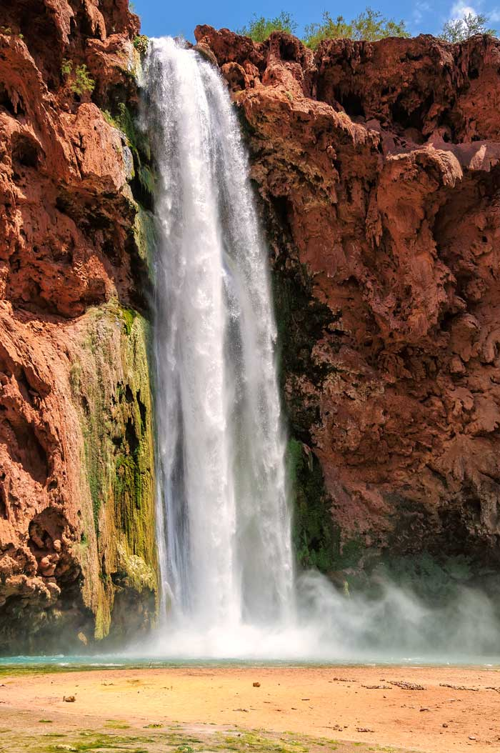 Havasupai Falls is one of those places that you must see in your lifetime. It takes a bit of time and planning to get there, but it's SO worth it! Here's an ultimate list of do's and don'ts for planning your trip to Havasupai Falls Arizona!