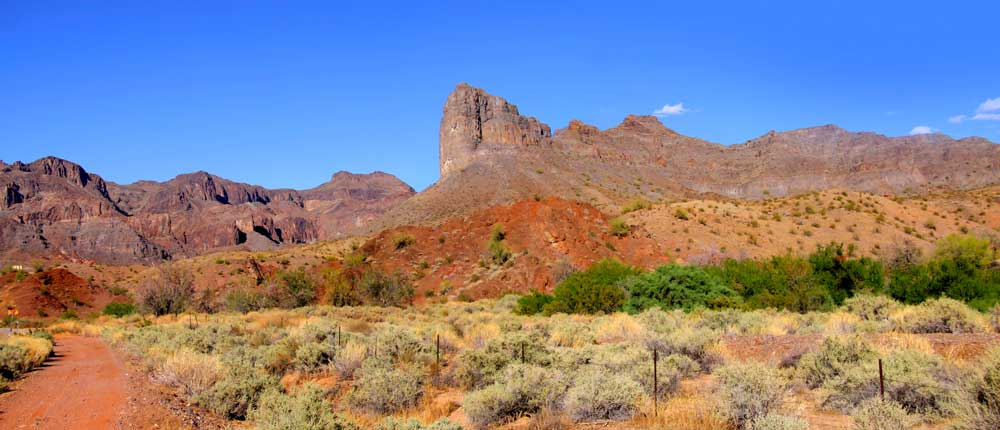 The hot, dusty trail to Havasupai Falls Arizona.