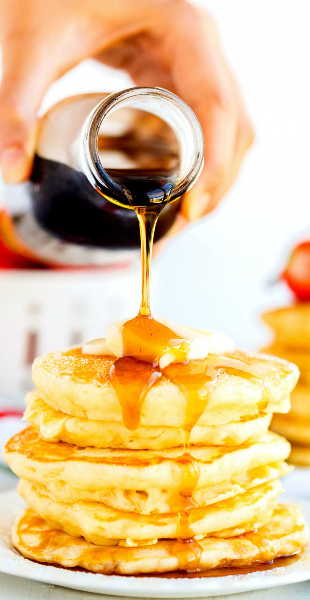 BEST Fluffy Buttermilk Pancakes