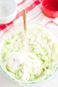 How to Make Watergate Salad Step 6