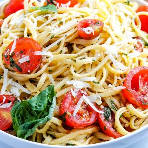 A close up picture of the finished tomato and basil pasta.
